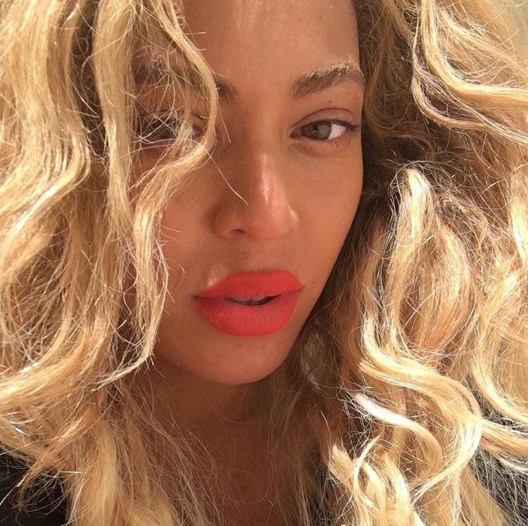 8 Black Celebrities Prove Blonde Hair Is Fun4